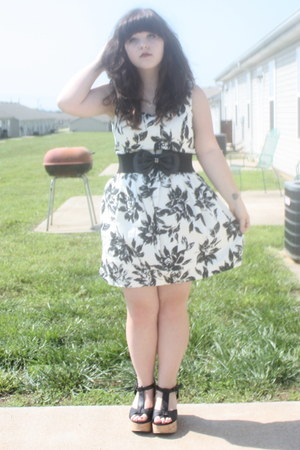 black Blowfish shoes - floral print Forever 21 dress - black bow Charlotte Russe