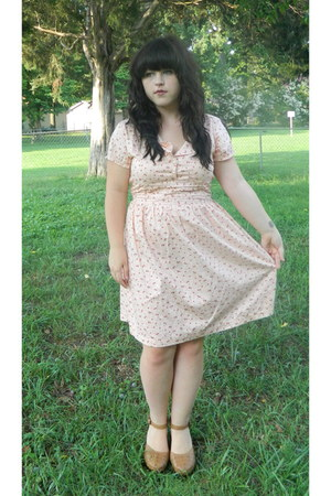 Forever 21 shoes - clothing swap modcloth dress