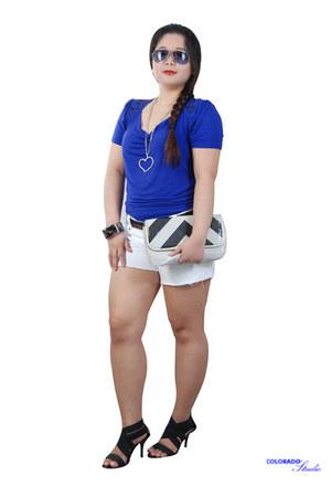black purse - white shorts - black aviator sunglasses - bandage heels - blue top