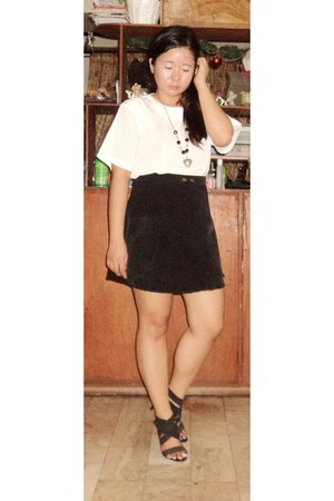 black skirt - black heels - white top - necklace