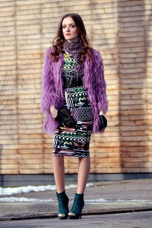 light purple Front Row Shop coat - green AX Paris dress