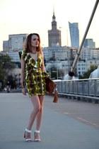 Green ruffles and Warsaw