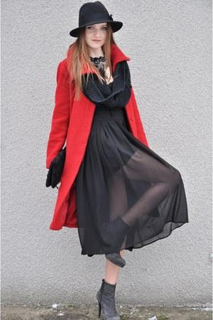 red Oasis coat