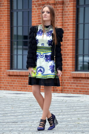 blue Romwecom dress - black choiescom jacket