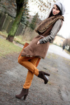 metallic fabric H&M jumper - Boohoo boots - faux fur La Redoute vest