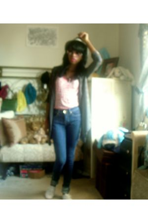 pink Rue 21 shirt - apple bottom jeans - white payless shoes - gray Ross cardiga