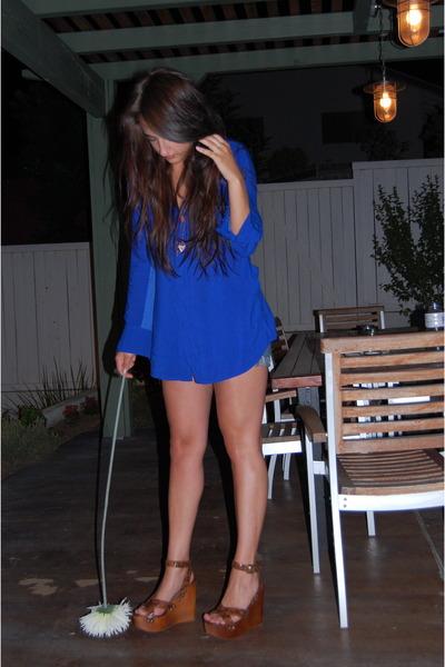 blue olive olivia blouse - blue Old Old Old Navy shorts - brown Jeffrey Campbell