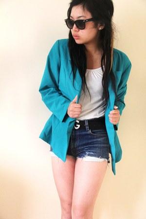 turquoise blue vintage blazer - blue Levi shorts - black D&G belt