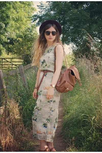 vintage dress - H&amp;M hat - Primark bag