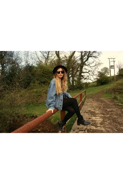 denim vintage jacket - H&M sunglasses