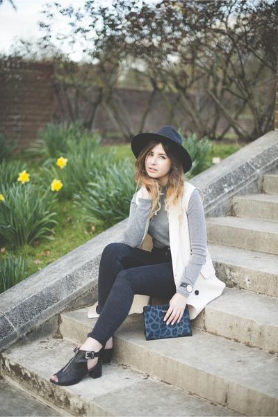black Oasis jeans - Topshop boots - eggshell Bershka jacket