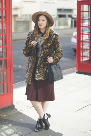 brown Internacionale coat - tan Primark hat - black Topshop top
