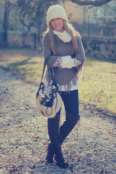 Luna llena bag - westrags boots - Luna llena cape