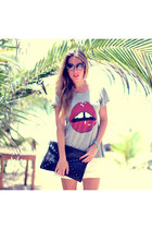 lips tee Romwecom t-shirt - envelope clutch Romwecom bag