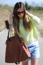 neon color Queens Wardrobe sweater - shopping bag Medwinds bag