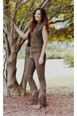 dark brown Liberty Black boots - army green cotton Ralph Lauren vest