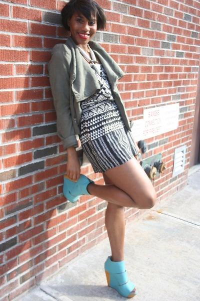 Target jacket - Target romper - solestruck Messica Caroline wedges