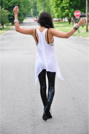 white loose tank shirt - black deena and ozzy shoes