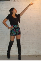 black floral f21 skirt - black high knee style2bb3 boots - black f21 shirt