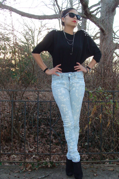 black made it myself shirt - blue Silence & Noise jeans - black plattform pumps