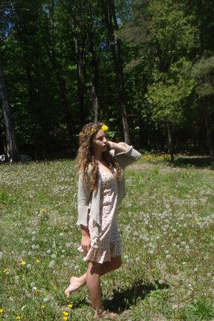 beige cardigan - yellow dress - yellow accessories