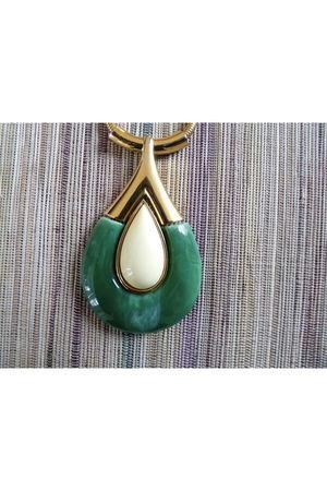 green Trifari necklace