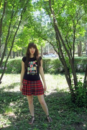 red Hand Made skirt - black t-shirt - brown shoes