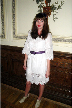 white cotton BeFree dress - beige Paolo Conte shoes - purple vintage belt