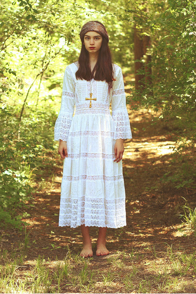 white Moonshine Hill dress - gold vintage necklace - vintage scarf
