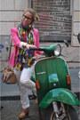 Zara-blazer-zara-scarf-funbasic-bag-uterqe-bag-zara-pants-rayban-glass