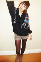 black vintage sweater - brown vintage boots