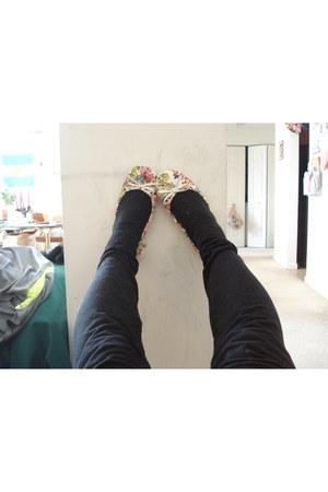 black Generic leggings - scrunch flats Zigi Soho flats - Generic intimate
