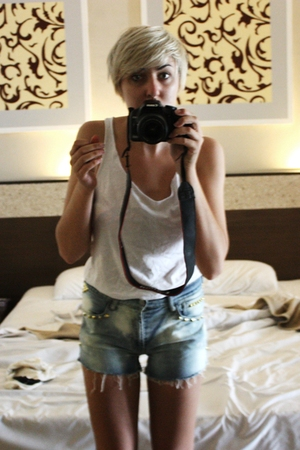 supre shirt - Levis shorts