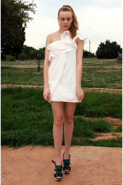 off white silk BCBG dress - green Marni heels