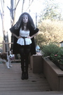 Black-perry-ellis-jacket-black-vintage-belt-black-calvin-klien-shorts-whit