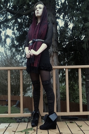 black house of vintage dress - black Urbanxchange belt - black  tights - Walmart