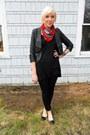Black-skinnies-gap-jeans-black-cropped-forever-21-jacket-red-floral-print-tj