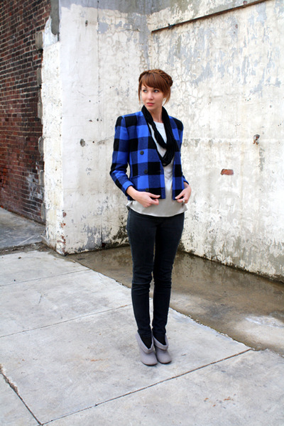 black Silence & Noise jeans - blue vintage jacket - black modcloth scarf - gray