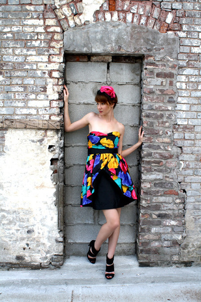 black vintage dress - black Chinese Laundry shoes - hot pink vintage hat