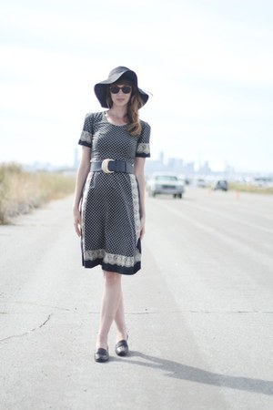 black vintage dress - black Target hat - black vintage belt
