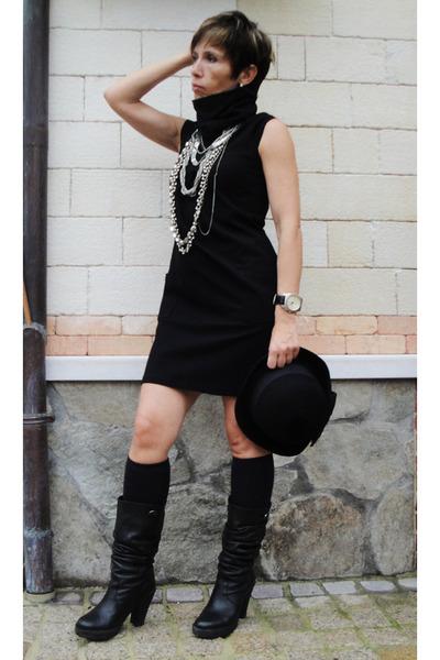 Black Boots, Black Socks, Black Dresses, Black Hats, Silver