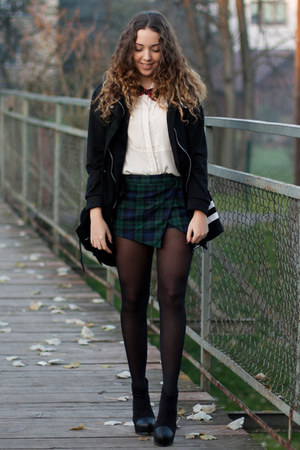 black PERSUNMALL boots - black wholesale coat - eggshell romwe shirt