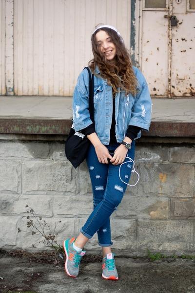 zapatillas new balance con jeans
