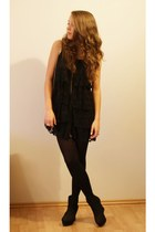 black Cutesy Shoes wedges - black lace AX Paris dress - black re style bag