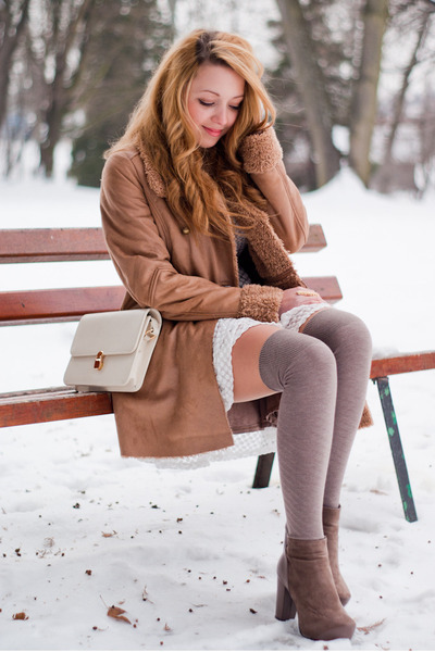 light brown romwe boots - white romwe dress - light brown Stradivarius coat