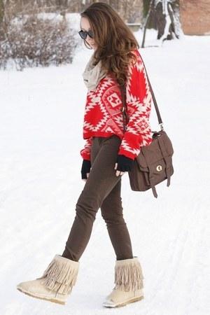 beige AUKOALA boots - red romwe sweater - beige H&M scarf