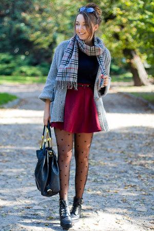 heather gray second hand sweater - black Papilion boots