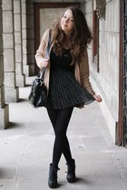 black H&M skirt - tan Zara sweater - black romwe bag - gold delamo bracelet