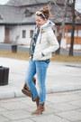 Light-brown-zara-boots-off-white-light-in-the-box-coat-brown-vero-stilo-bag