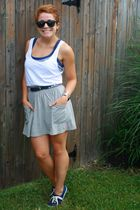 gray Billabong skirt - white H&M shirt - blue Keds shoes - blue vintage belt